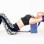 デスクワークによる巻き肩や緊張を解消|慢性的な力みをゆるめるプロップスを使ったストレッチ