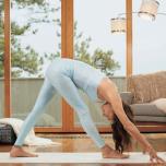 忍耐力を高めて瞑想を深める!股関節や腿裏を伸ばすポーズ