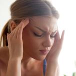 ストレスや不安から脳をリラックスさせるためのポーズ10選