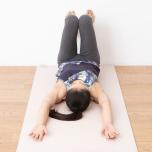 可動域が広がる股関節の正しい位置を知ろう!|開く・曲がる「寝たまま壁ヨガ」②